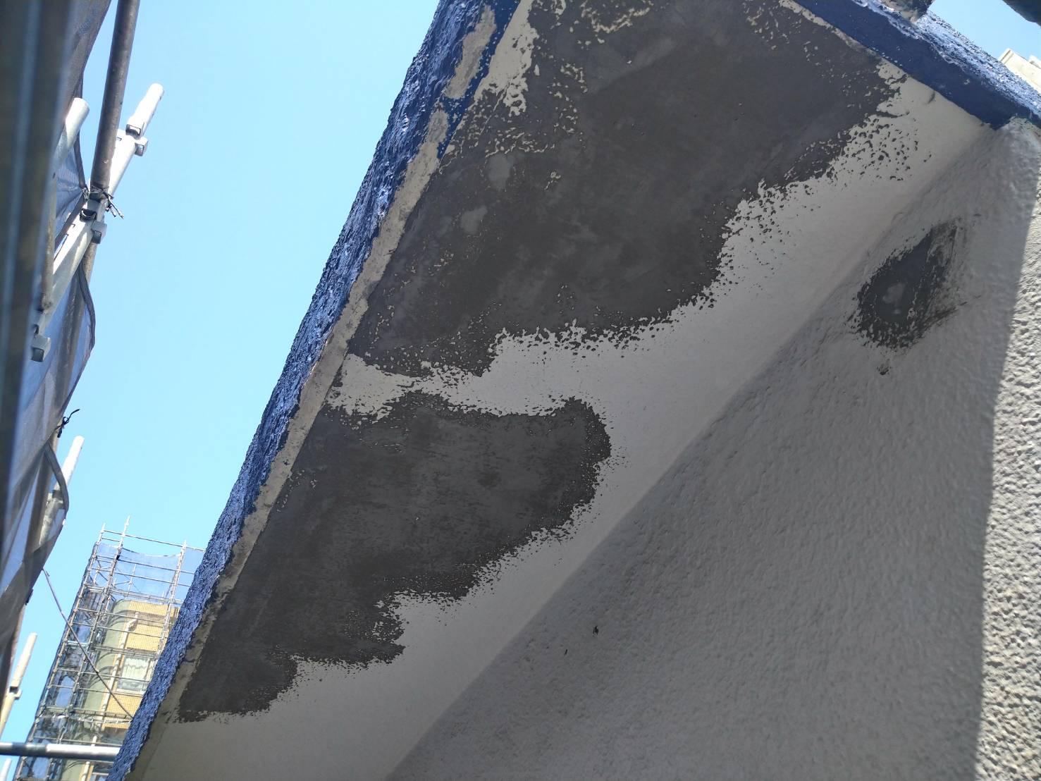 軒天井モルタル補修の画像